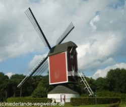 Foto: Willibrordusmolen in Bakel